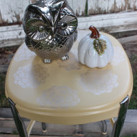 How To Stop Rust – A Metal Stool Makeover