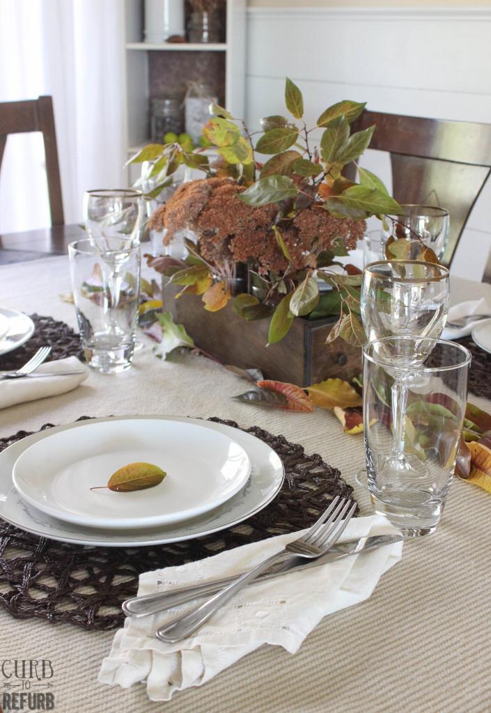 Thanksgiving-tablesetting