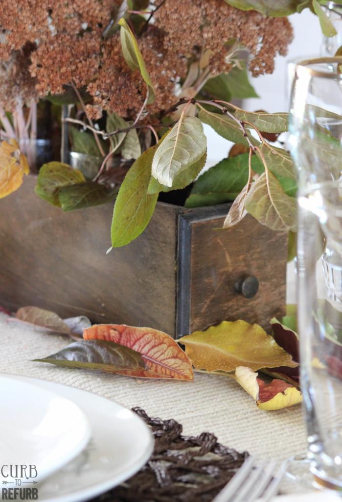Thanksgiving-centerpiece-fall-tablescape