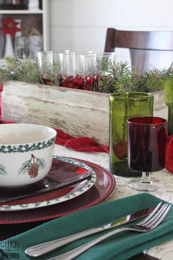 how to set a christmas table