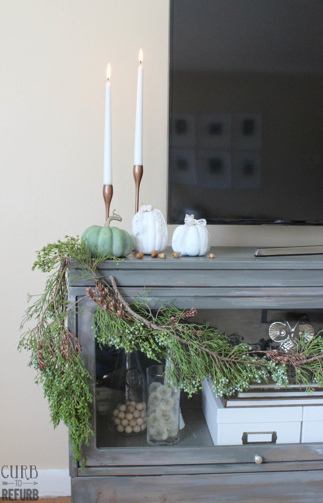 neutral fall decor and juniper garland